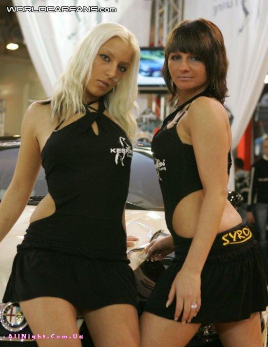 Девушки выставки 'Essen Motor Show (31 фото)