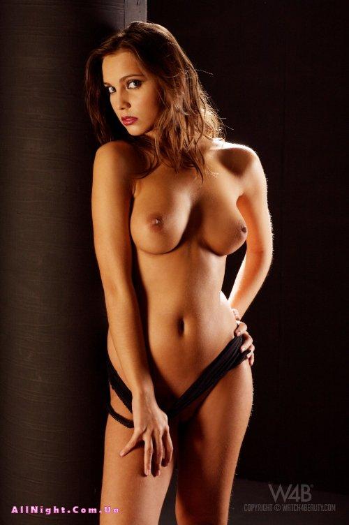 Regina Ice в фотосессии эротической направленности (20 фото)