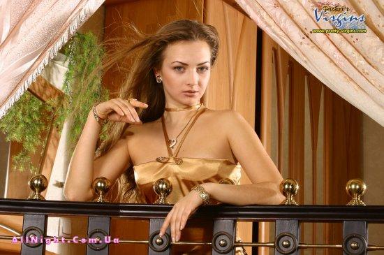 Откровения от красивой девственной девушки (66 фото)