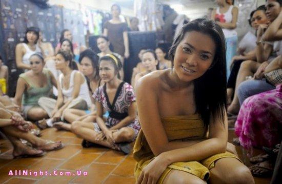 За кулисами филиппинского конкурса красоты (11 фото)