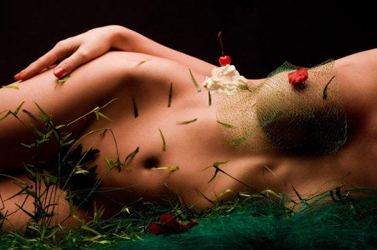 Эротический арт (15 фото)
