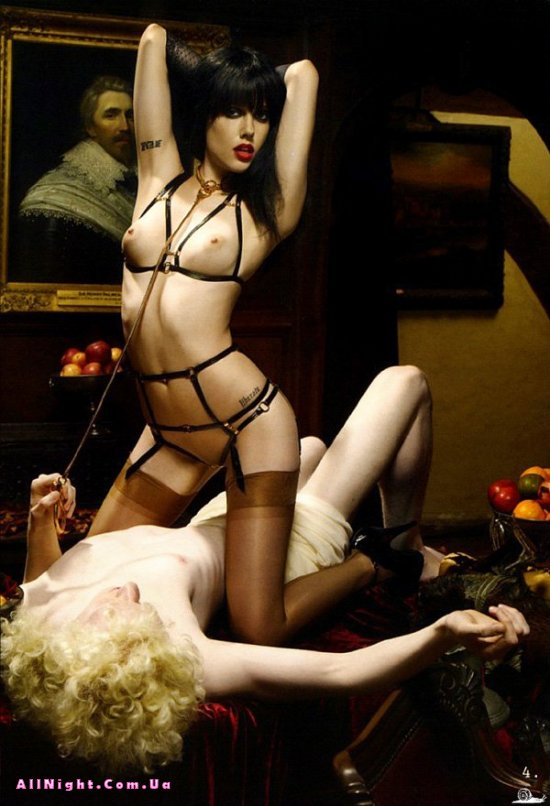 Реклама женского белья (16 фото)