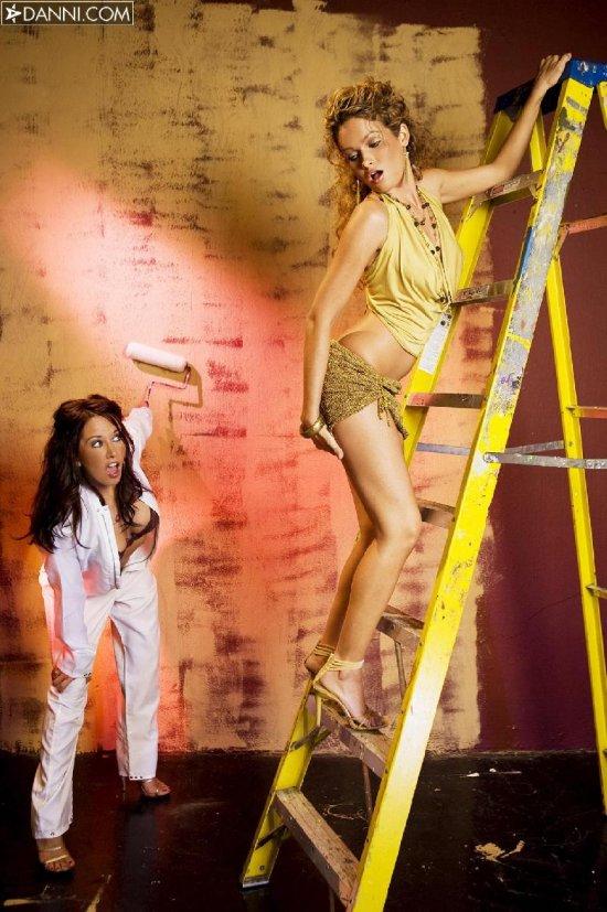 Zoe Britton и Princess немножко отвлеклись от ремонта (20 фото)