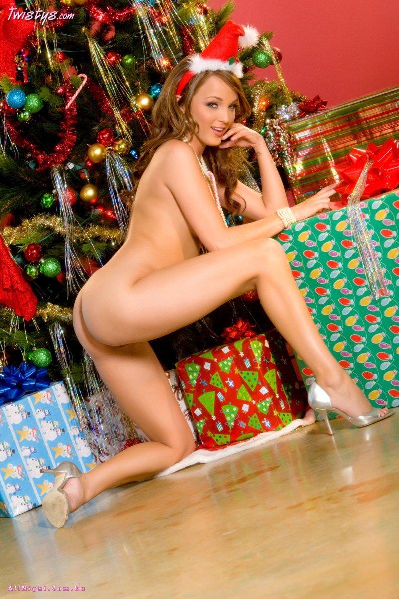 Смотреть подарок для снегурочки под ёлкой секс 12 фотография