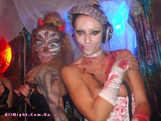 Девушки-диджеи из LaDJane (28 фото)