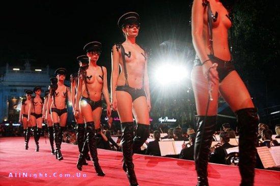 Скандальная мода (30 фото)