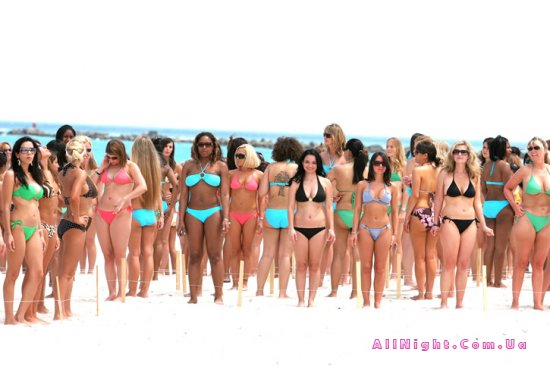 Cosmo's Bikini Bash 2008 (40 фото)