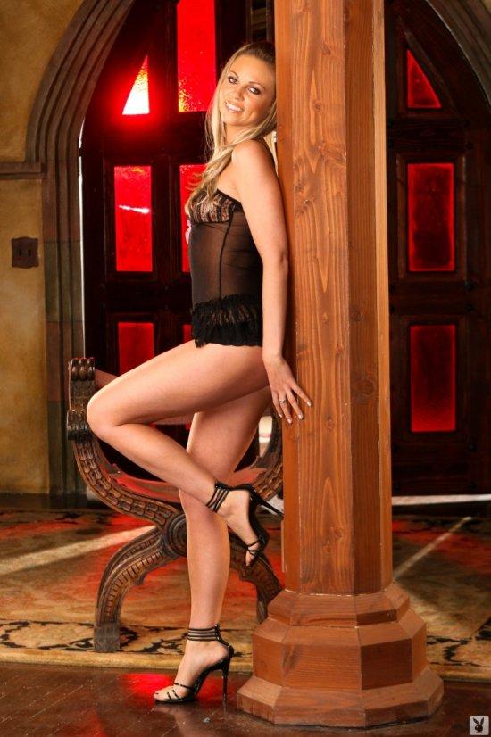 Ночь во дворце с сексапильной Lindsay Garren (20 фото)