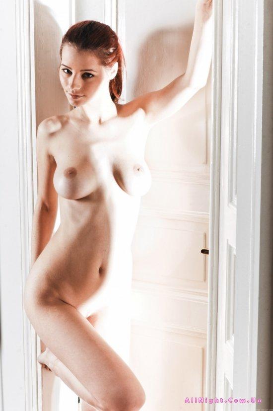 Оголенная красота чарующего тела Ariel (22 фото)