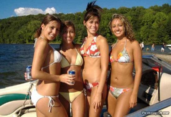 Пляж, девчонки и солнце (30 фото)