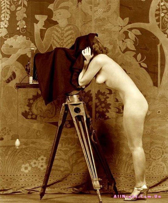 Качественная ретро эротика показывает, что женщина во все времена с большим