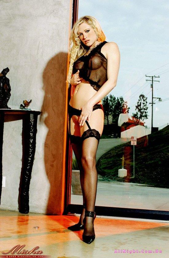 Аккуратная грудь и длинные ножки April Hanna (20 фото)