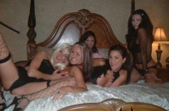 Девушки веселятся (28 фото)