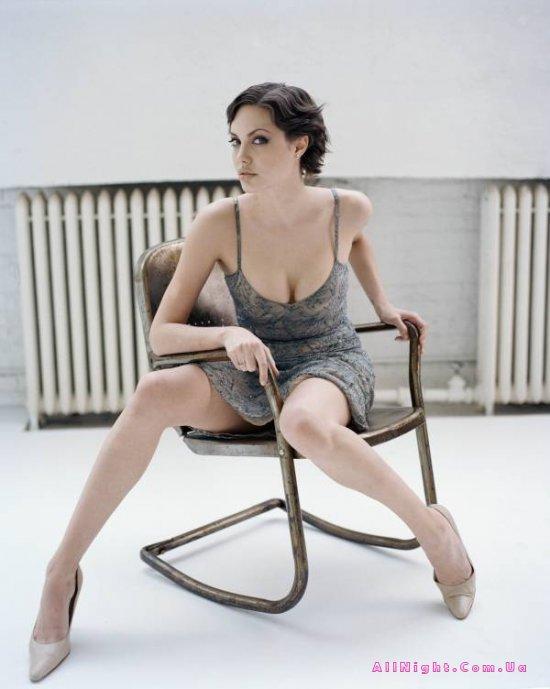 Красотка Анджелина Джоли (4 фото)