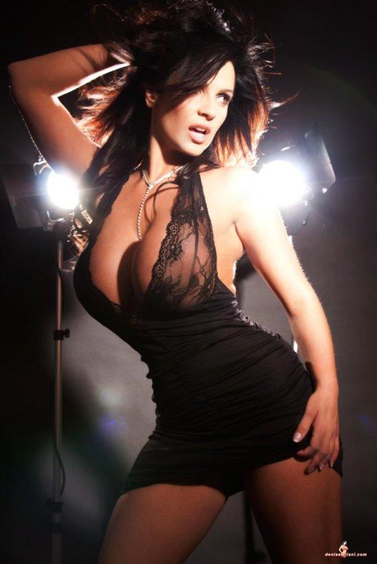 Способная быть эротичной даже без обнажения Denise Milani (19 фото)