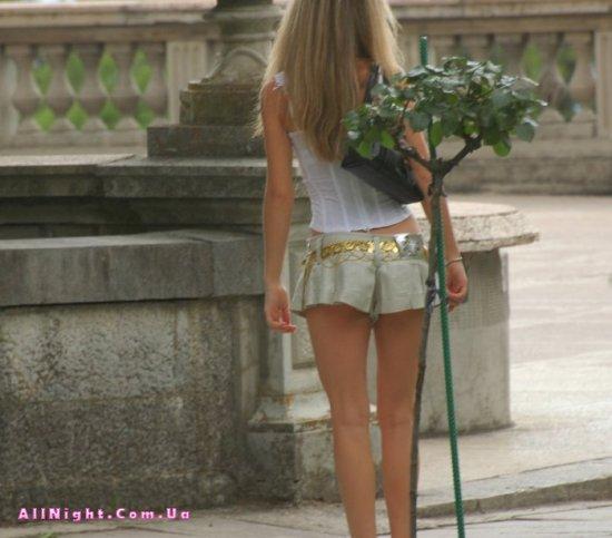 Лето, юбки, девушки (12 фото)