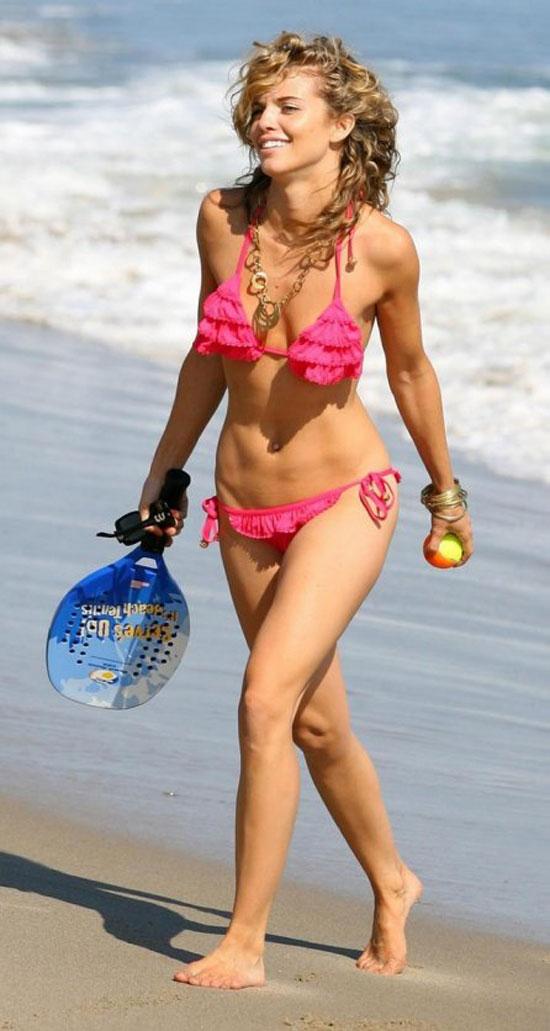 AnnaLynne McCord в бикини (11 фото)