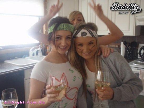 Успешный отрыв молодых девушек (30 фото)