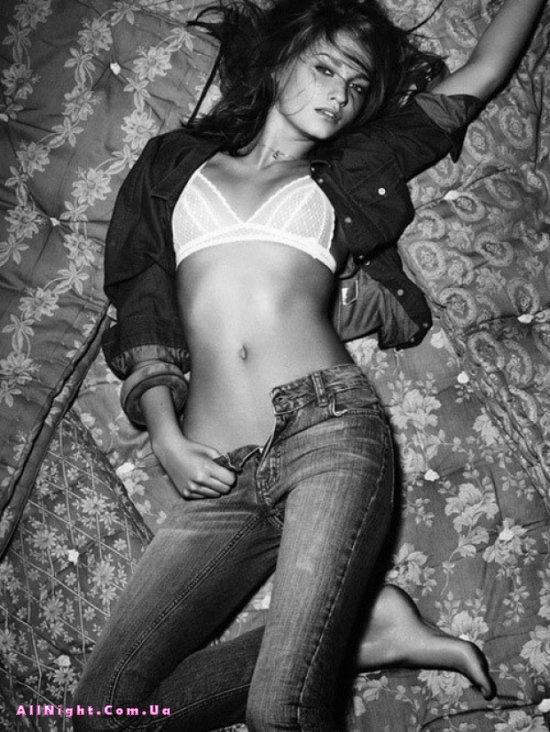fotografii-modeley-legkaya-erotika