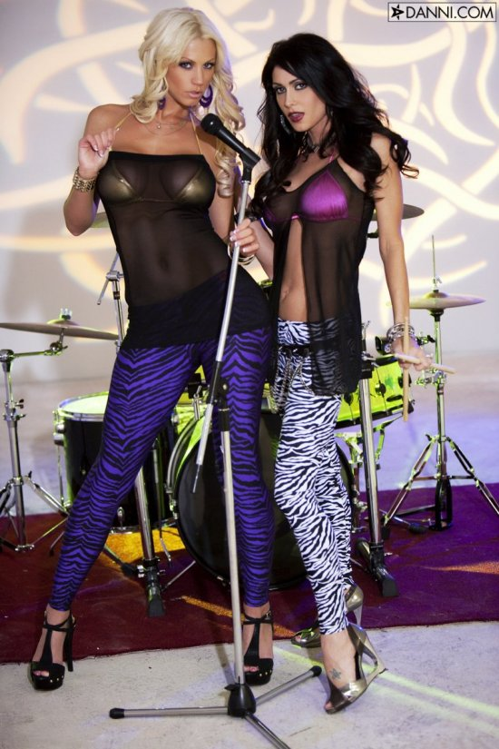 Звездные лесбиянки Jessica Jaymes и Tanya James (20 фото)