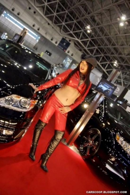 Девушки с Токийского автосалона (40 фото)