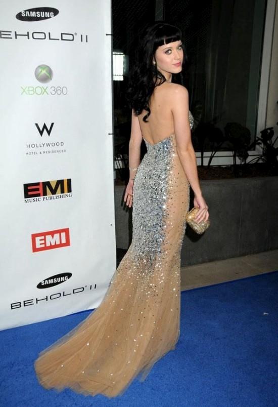 Katy Perry в новом платье (6 фото)