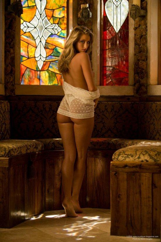 Интим Kristy Dwyer в элитном ресторане (20 фото)