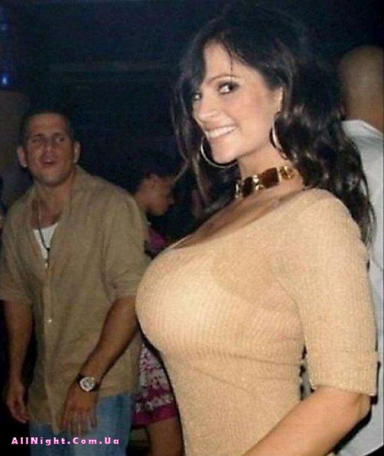 Девушки с большими грудьми (40 фото)