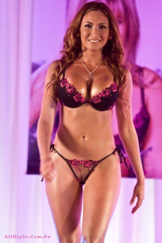 Показ эротических моделей женского нижнего белья смотреть видео 4 фотография