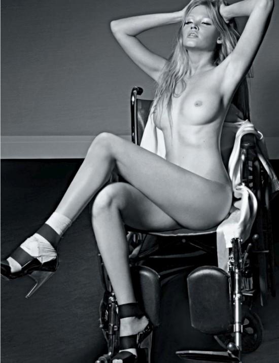 Лара Стоун разделась для французского «Playboy» (9 фото)