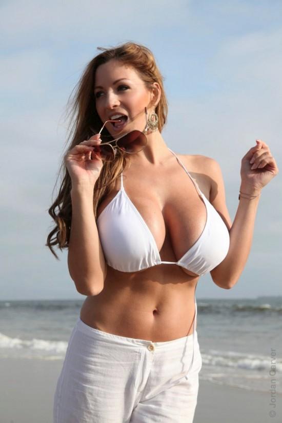 Джордан Карвер - рекламщица нижнего белья (6 фото)