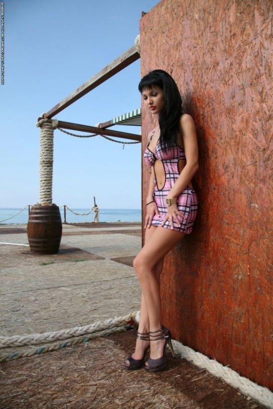 Откровения Roxanne Milana на набережной (20 фото)
