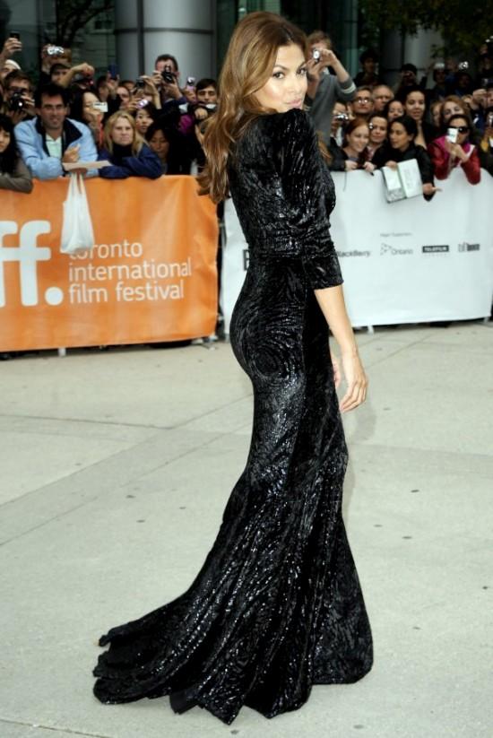 Ева Мендес в красивом платье (18 фото)