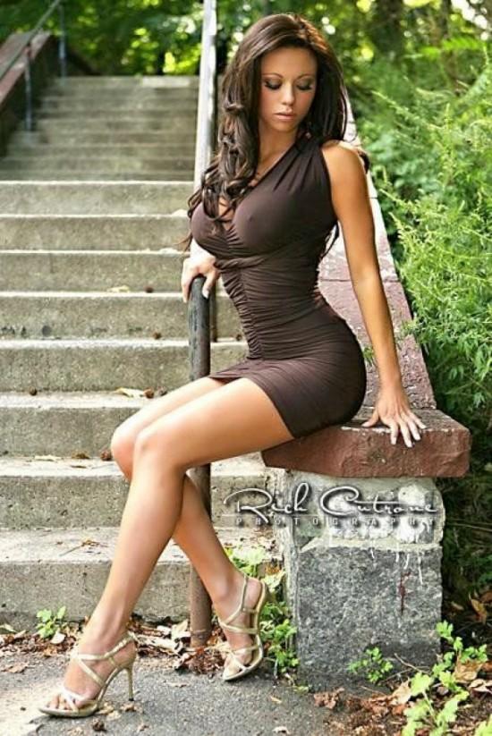 Красивые молодые девушки (40 фото)