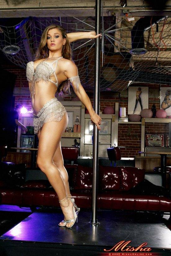 Rita Faltoyano танцует на шесте (19 фото)