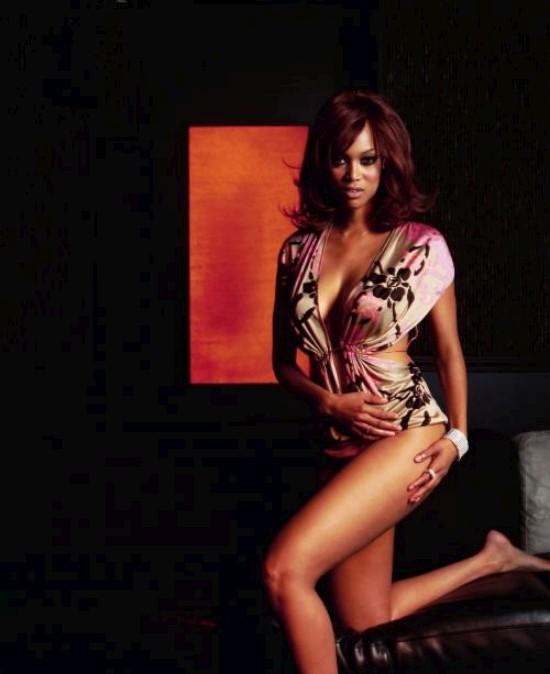 Сексуальные позы Tyra Banks (8 фото)