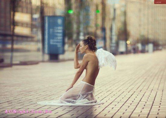 Уличная эротика от Andrew Lucas (28 фото)