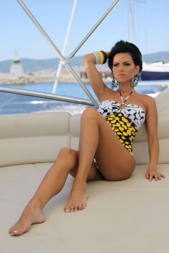 Румынсакя певица Inna (8 фото)