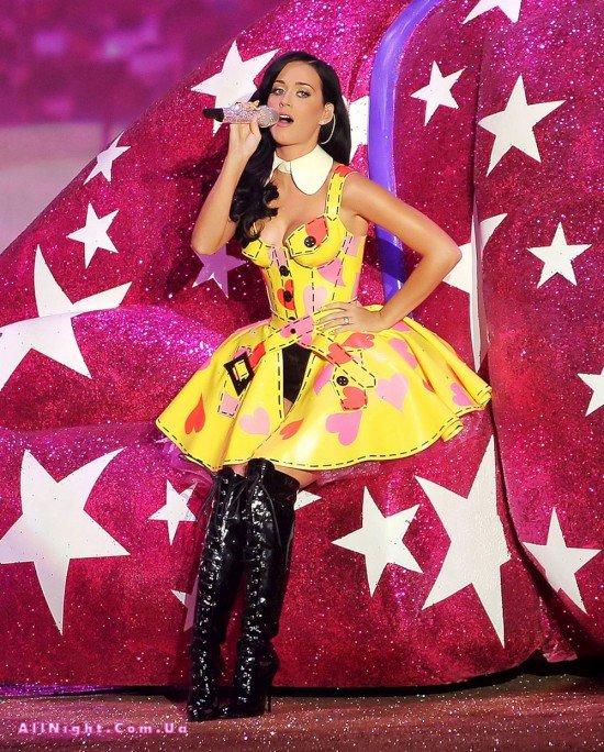 Кэти Перри на «Victoria's Secret Fashion Show» (20 фото)