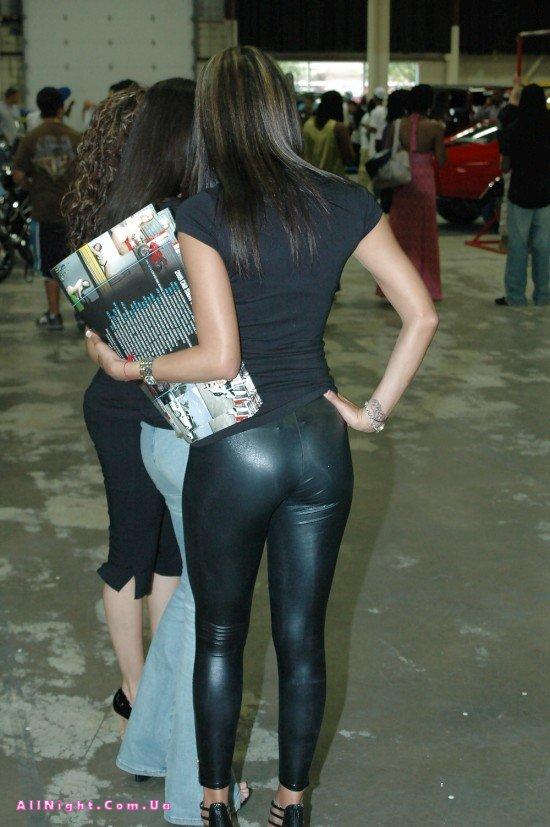 частное фото девушек в леггинсах
