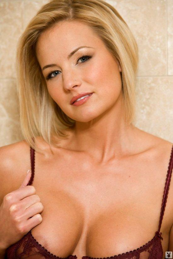Sofia Lane легкая эротика в ванной комнате (20 фото)