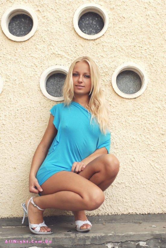 Красивые позы девушки Gera (20 фото)