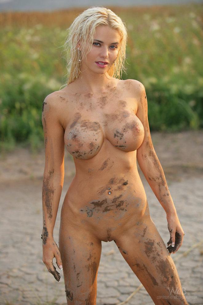 Эротическая грязь с девушками, в машине в попку домашнее