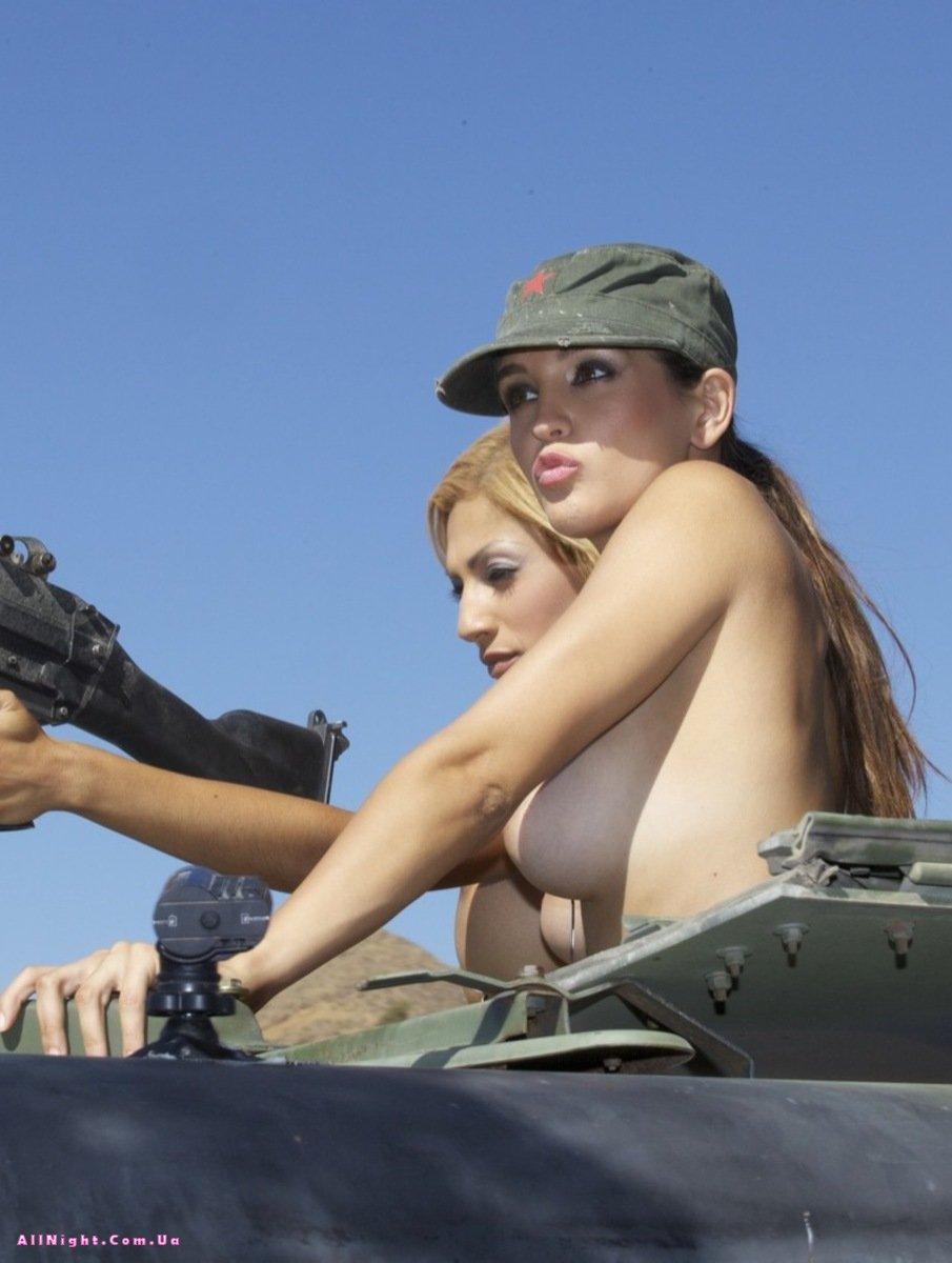 Голые израильские девушки