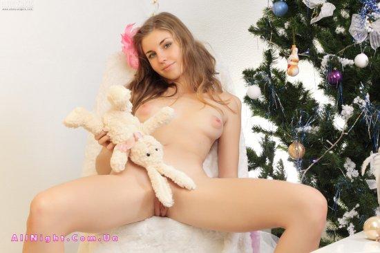 Порно фото голой елки