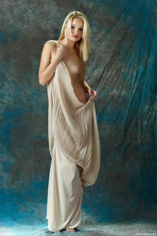 Красоты эротики на примере Talia (18 фото)