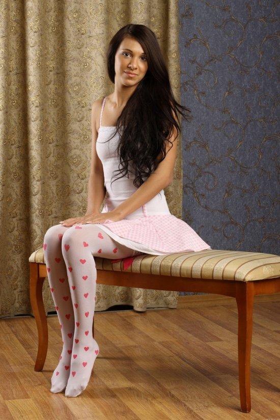 Bridjit в образе невинной девочки (16 фото)