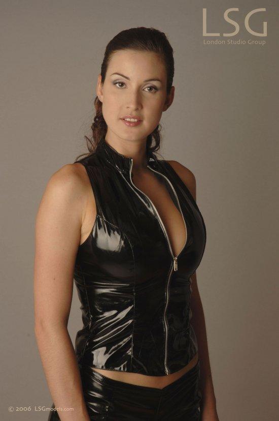 Властная женщина Ivana (18 фото)
