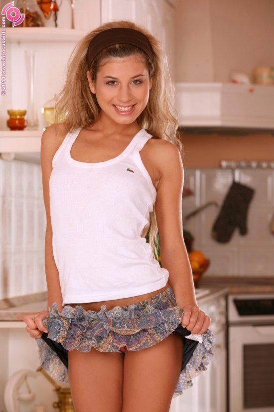 Радостная модель Anya (14 фото)