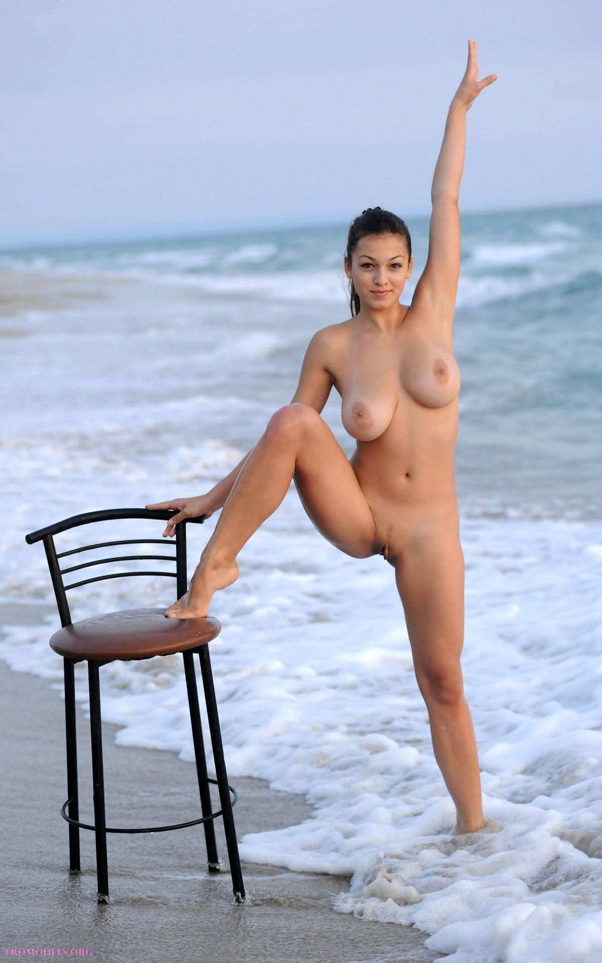 Эротика с пляжа фото 723-572